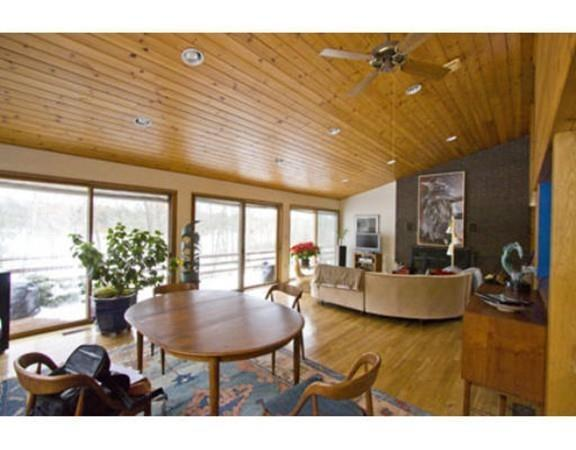 610 Mountain Street, Sharon, MA 02067 (MLS #72399328) :: Vanguard Realty