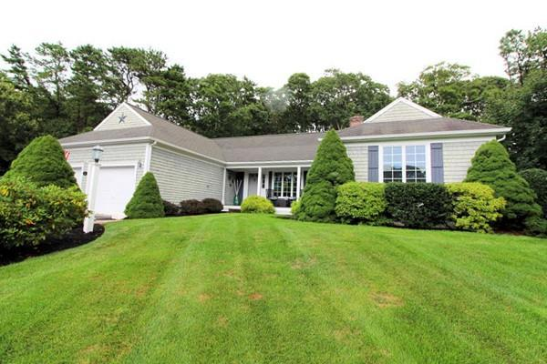 1 Old Castle Rd, Yarmouth, MA 02675 (MLS #72399714) :: Commonwealth Standard Realty Co.
