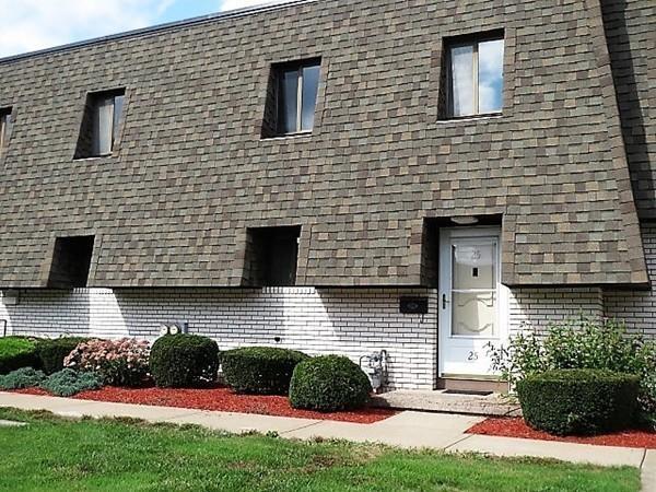 25 Beekman Dr #25, Agawam, MA 01001 (MLS #72399851) :: NRG Real Estate Services, Inc.