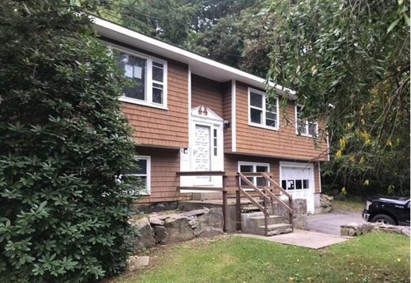 319 Highland St, Northbridge, MA 01534 (MLS #72400229) :: Vanguard Realty