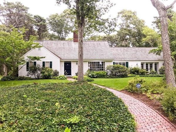 124 West Street, Barnstable, MA 02655 (MLS #72401172) :: Apple Country Team of Keller Williams Realty