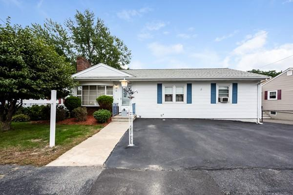 30 Fleming Rd, Malden, MA 02148 (MLS #72405381) :: ALANTE Real Estate