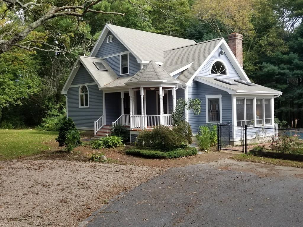 838 Middle Rd - Photo 1