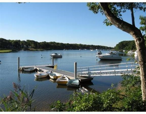 220 Southwest Meadow #220, Falmouth, MA 02536 (MLS #72409070) :: Welchman Real Estate Group | Keller Williams Luxury International Division