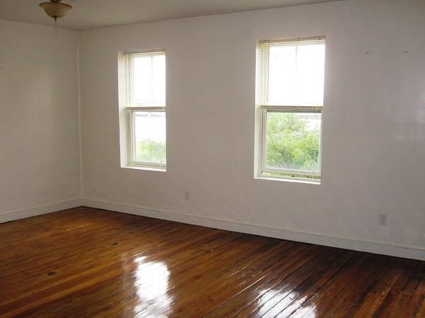 488 Commercial Street 3F, Boston, MA 02109 (MLS #72409922) :: Revolution Realty