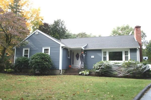 120 Salem Street, Lynnfield, MA 01940 (MLS #72410339) :: EdVantage Home Group