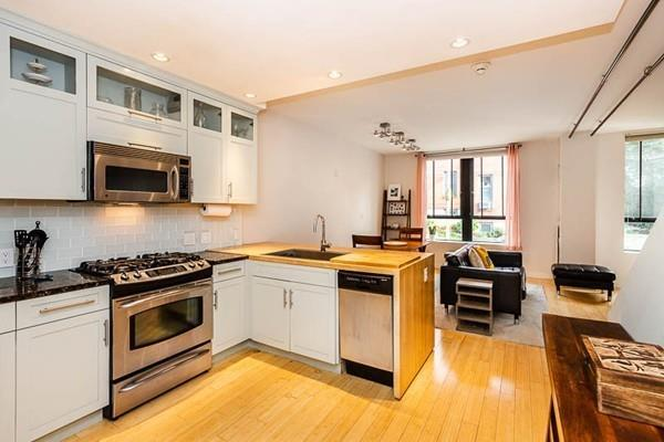 251 Heath St #220, Boston, MA 02130 (MLS #72411142) :: Welchman Real Estate Group | Keller Williams Luxury International Division