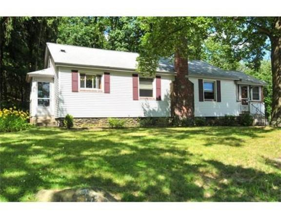 231 South St, Northborough, MA 01532 (MLS #72413570) :: The Muncey Group