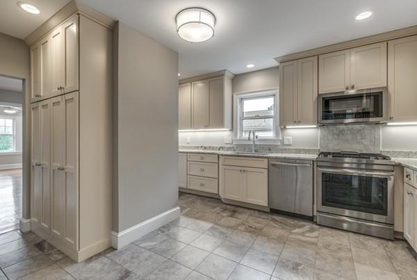 410 Massachusetts Avenue #1, Lexington, MA 02420 (MLS #72413776) :: Commonwealth Standard Realty Co.