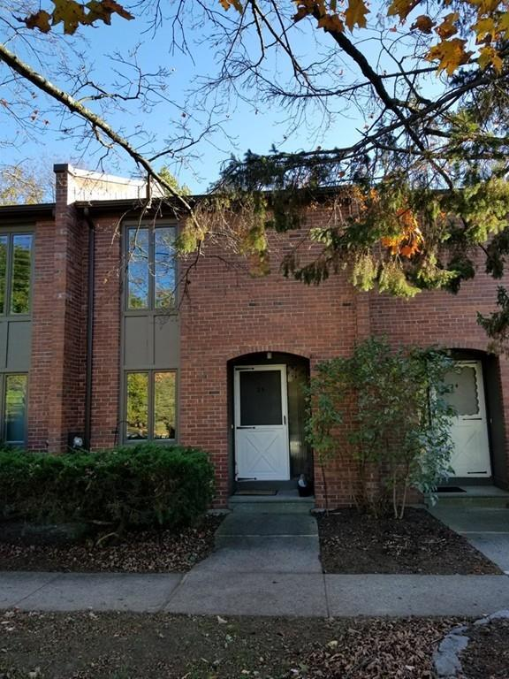 25 Bedford Ct #25, Amherst, MA 01002 (MLS #72413786) :: Vanguard Realty