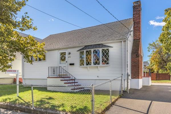 471 Bryant St, Malden, MA 02148 (MLS #72413876) :: COSMOPOLITAN Real Estate Inc