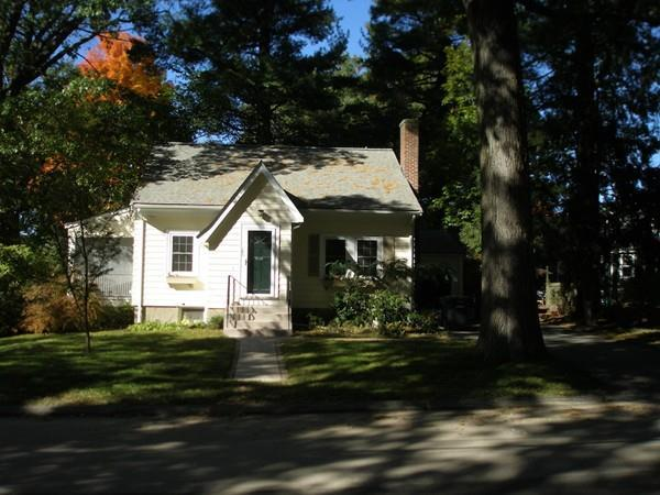 195 Madison St, Dedham, MA 02026 (MLS #72422480) :: Trust Realty One