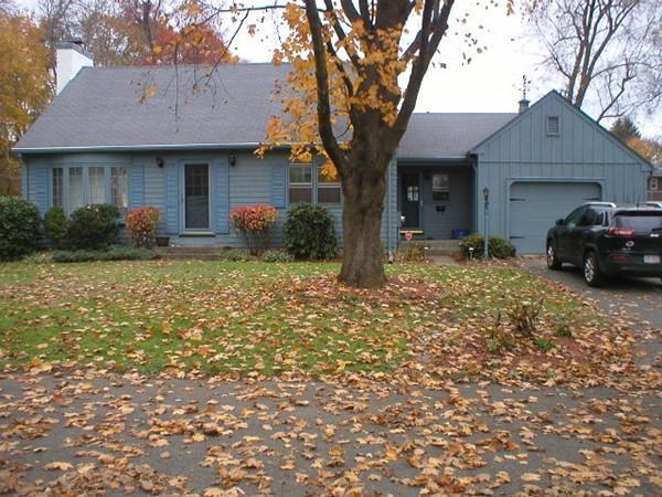 26 Lexington Street, Agawam, MA 01001 (MLS #72422743) :: NRG Real Estate Services, Inc.