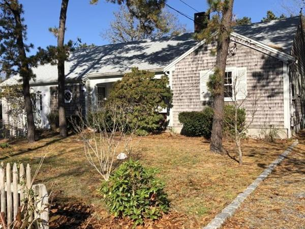 44 West St, Dennis, MA 02639 (MLS #72422934) :: Trust Realty One