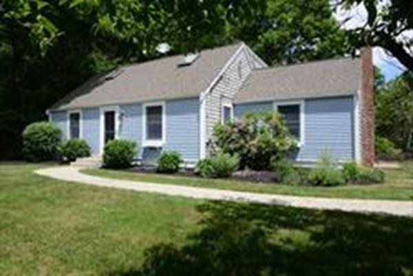 4 Polk Road, Hingham, MA 02043 (MLS #72423507) :: ALANTE Real Estate