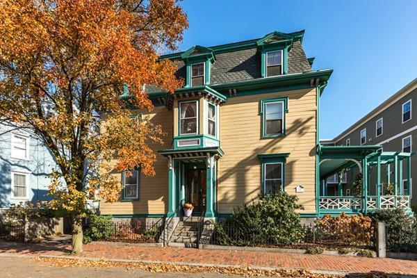 35 Pleasant St, Salem, MA 01970 (MLS #72424292) :: Exit Realty