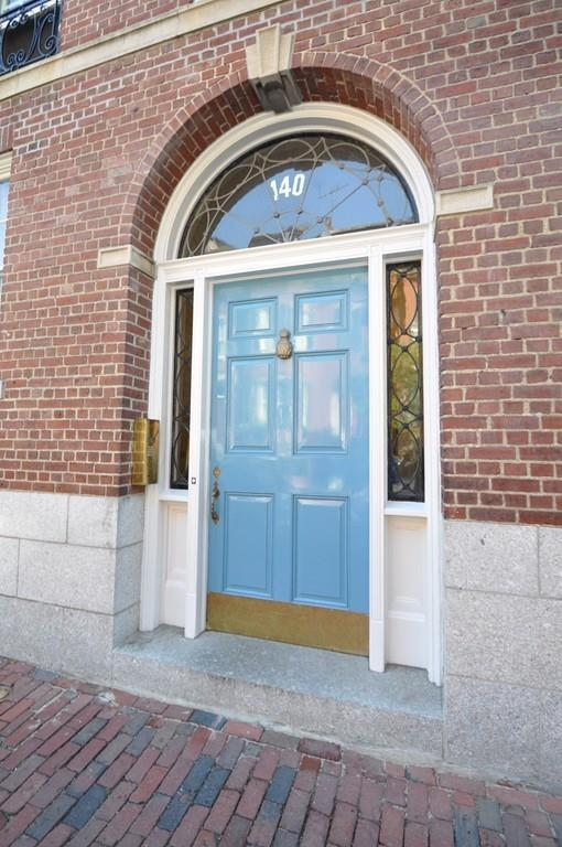 140 Mt Vernon St #6, Boston, MA 02108 (MLS #72427647) :: The Muncey Group