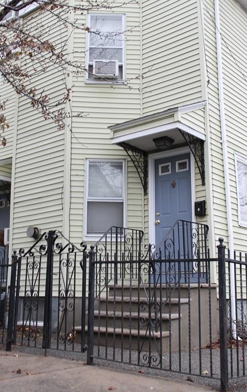 11 Bailey St #11, Everett, MA 02149 (MLS #72428399) :: COSMOPOLITAN Real Estate Inc