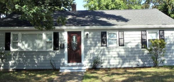 25 Dewitt Road, Stoneham, MA 02180 (MLS #72428534) :: COSMOPOLITAN Real Estate Inc