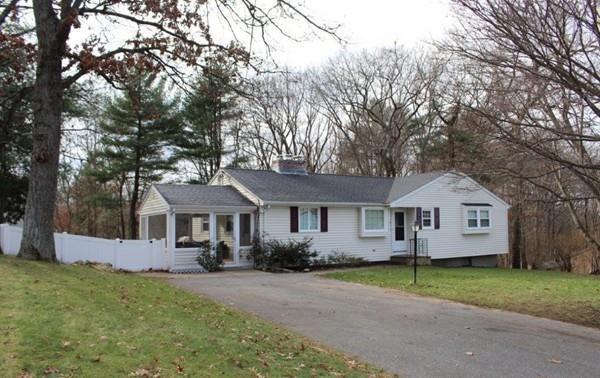 22 Sarah St, Burlington, MA 01803 (MLS #72429435) :: EdVantage Home Group