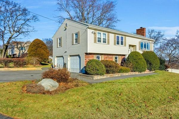 14 Bradford Road, Woburn, MA 01801 (MLS #72430643) :: EdVantage Home Group