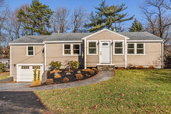 9 Thurston Point Road, Gloucester, MA 01930 (MLS #72430657) :: AdoEma Realty