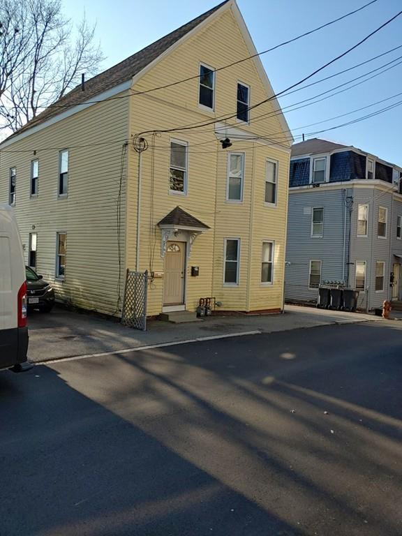 6 Marble St, Haverhill, MA 01832 (MLS #72432928) :: Trust Realty One
