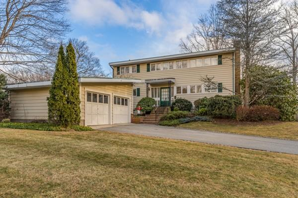 36 Neptune St, Beverly, MA 01915 (MLS #72432956) :: EdVantage Home Group