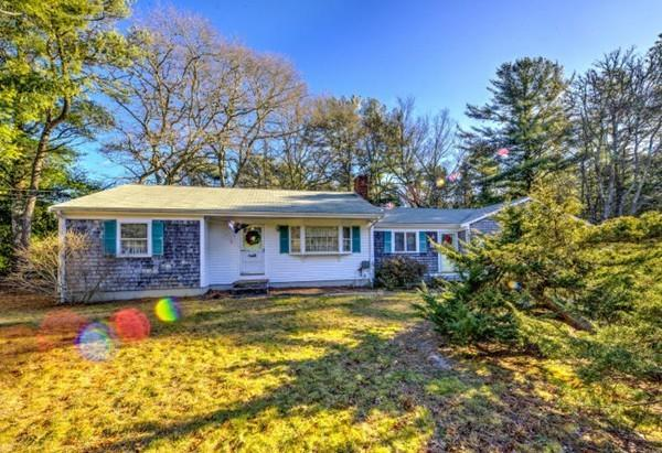 6 Keefe Ct, Barnstable, MA 02632 (MLS #72435330) :: ERA Russell Realty Group