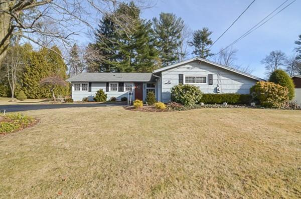 25 Doris Road, Framingham, MA 01701 (MLS #72441922) :: Exit Realty