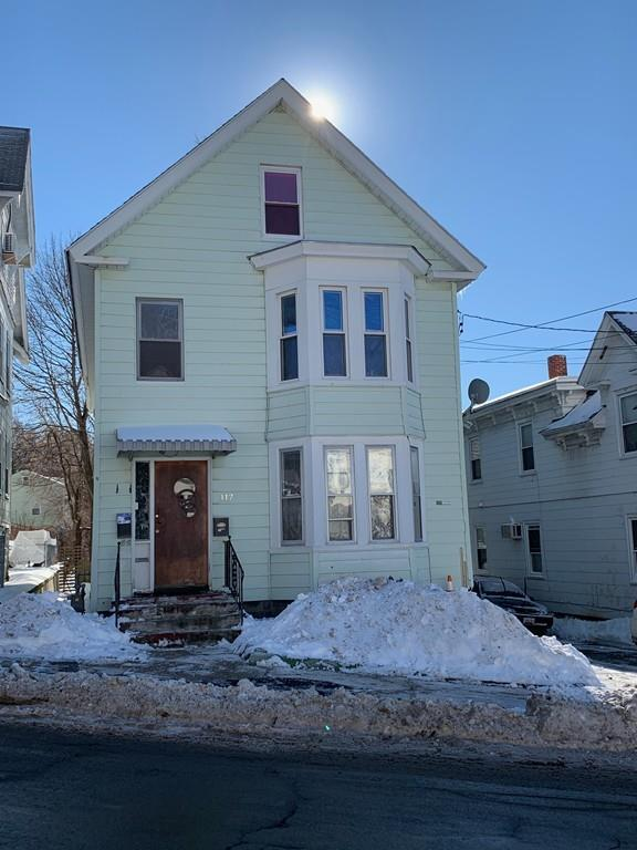 117 E Haverhill St, Lawrence, MA 01841 (MLS #72444649) :: AdoEma Realty