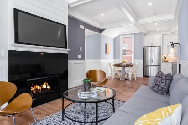 42 Bow St #4, Somerville, MA 02143 (MLS #72445485) :: AdoEma Realty