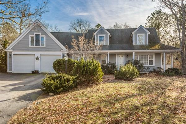 176 White Moss Drive, Barnstable, MA 02648 (MLS #72449480) :: Commonwealth Standard Realty Co.