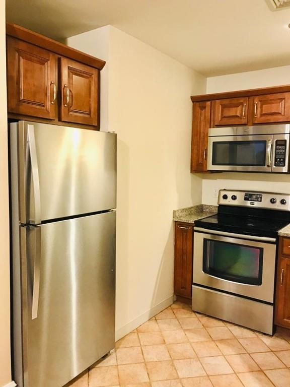 10 Weston Ave #107, Quincy, MA 02170 (MLS #72451220) :: AdoEma Realty