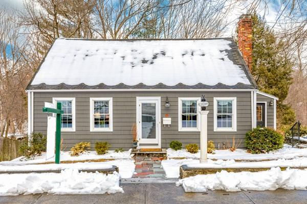 42 Summer Avenue, Reading, MA 01867 (MLS #72453127) :: EdVantage Home Group