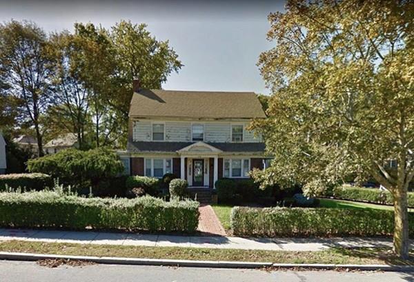 181 Common St, Belmont, MA 02478 (MLS #72453667) :: AdoEma Realty
