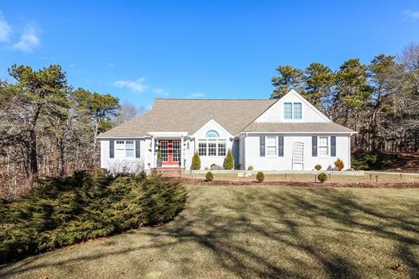 63 Cairn Ridge Rd, Falmouth, MA 02536 (MLS #72453738) :: Commonwealth Standard Realty Co.