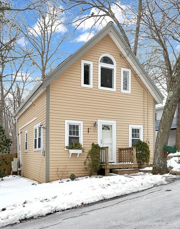 23 1St St, Amesbury, MA 01913 (MLS #72455784) :: Anytime Realty