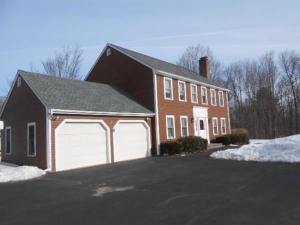 1131 Massachusetts Ave, Lunenburg, MA 01462 (MLS #72461118) :: The Home Negotiators