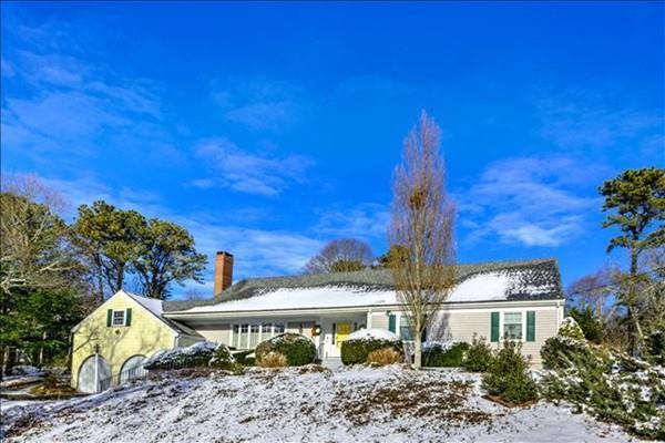 57 Curry, Barnstable, MA 02655 (MLS #72463035) :: Westcott Properties