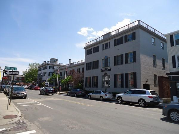 32-40 Court Street, Plymouth, MA 02360 (MLS #72463416) :: Charlesgate Realty Group
