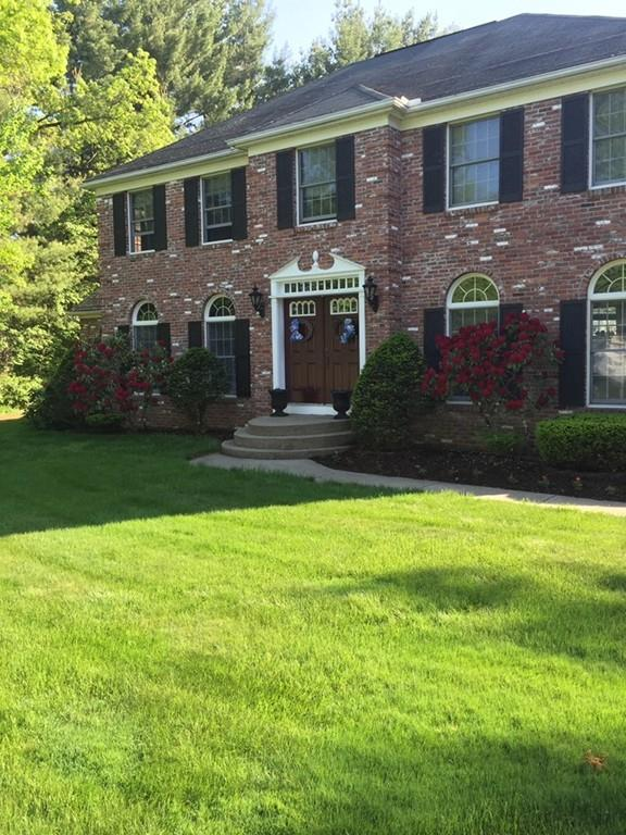 18 Oxford Ln, East Longmeadow, MA 01028 (MLS #72464359) :: NRG Real Estate Services, Inc.
