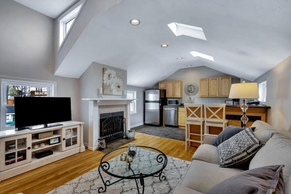 91 Summer Street #4, Somerville, MA 02143 (MLS #72467123) :: Driggin Realty Group
