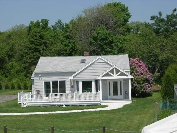 16 Harbor View Avemue, Fairhaven, MA 02719 (MLS #72467282) :: Charlesgate Realty Group