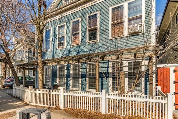 103 River Street #1, Cambridge, MA 02139 (MLS #72467992) :: Vanguard Realty