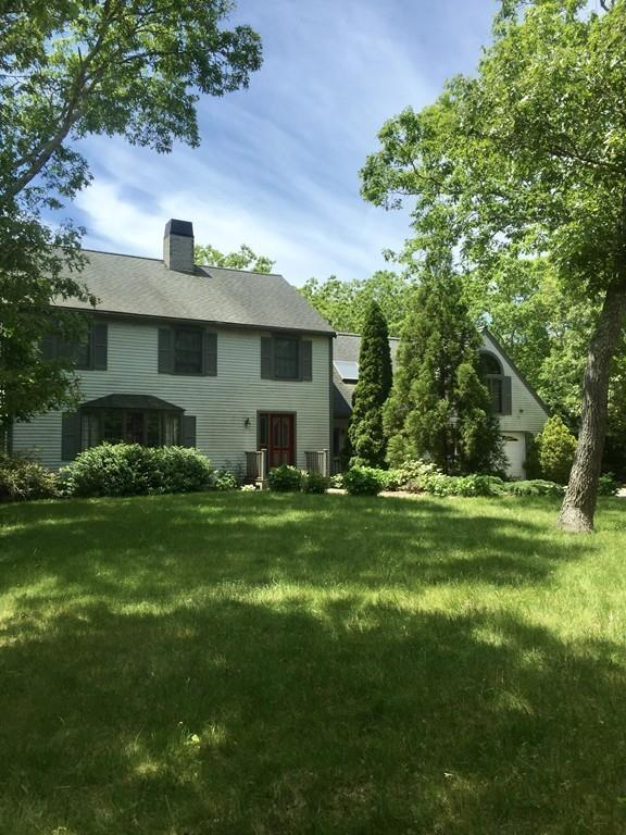 27 Bayes Hill Road, Oak Bluffs, MA 02568 (MLS #72470225) :: Apple Country Team of Keller Williams Realty