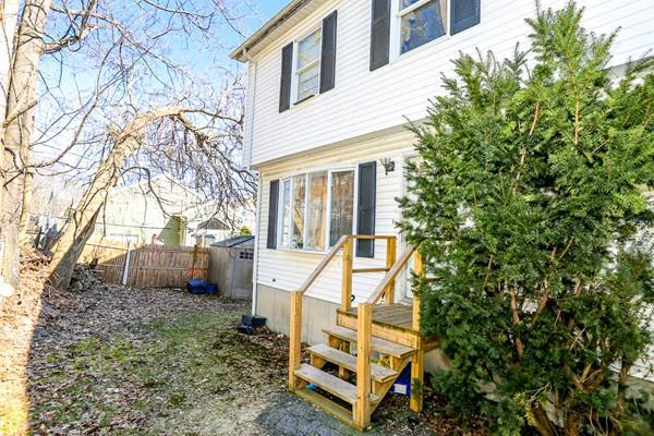 14 Sigourney St B, Worcester, MA 01605 (MLS #72472491) :: Apple Country Team of Keller Williams Realty