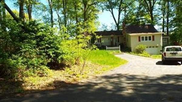 11 Hillside Drive, West Brookfield, MA 01585 (MLS #72473452) :: Apple Country Team of Keller Williams Realty