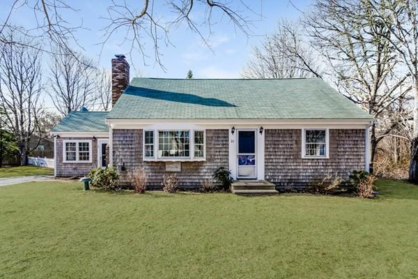 27 Saturn Ln, Yarmouth, MA 02664 (MLS #72476657) :: Apple Country Team of Keller Williams Realty