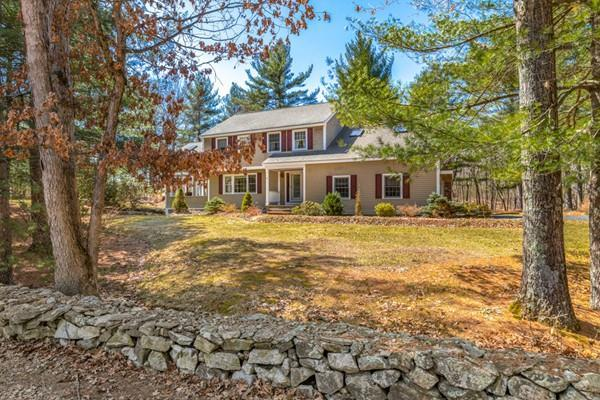 1 Stonecleave Ln, Groton, MA 01450 (MLS #72478564) :: Apple Country Team of Keller Williams Realty